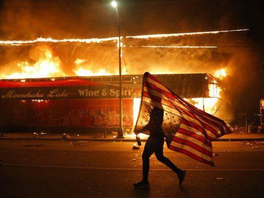 Crimen racial que provoca la  muerte de un afroamericano provoca incidentes en EEUU